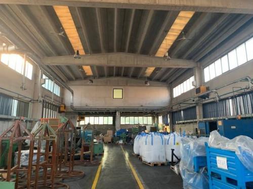 CAPANNONE ARTIGIANALE/INDUSTRIALE in Vendita a Grumello del Monte
