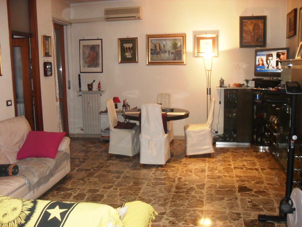 vendita appartamento alessandria centro-p.zza matteotti  135000 euro  5 locali  125 mq