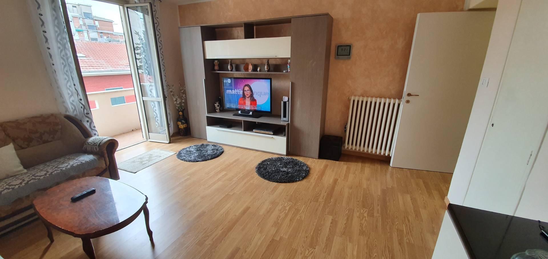 Appartamento in vendita a Alessandria, 3 locali, zona Località: Pista, prezzo € 35.000 | CambioCasa.it