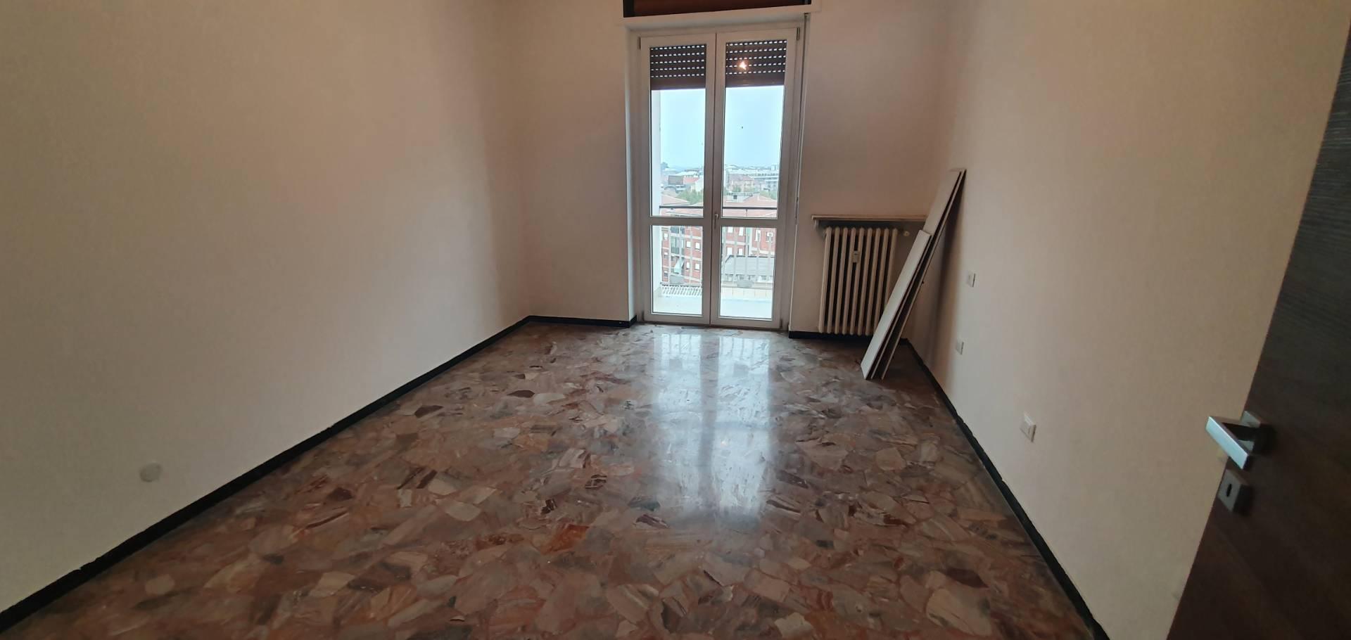 Appartamento in affitto a Alessandria, 3 locali, zona Località: Centro-P.zzaMatteotti, prezzo € 380 | PortaleAgenzieImmobiliari.it