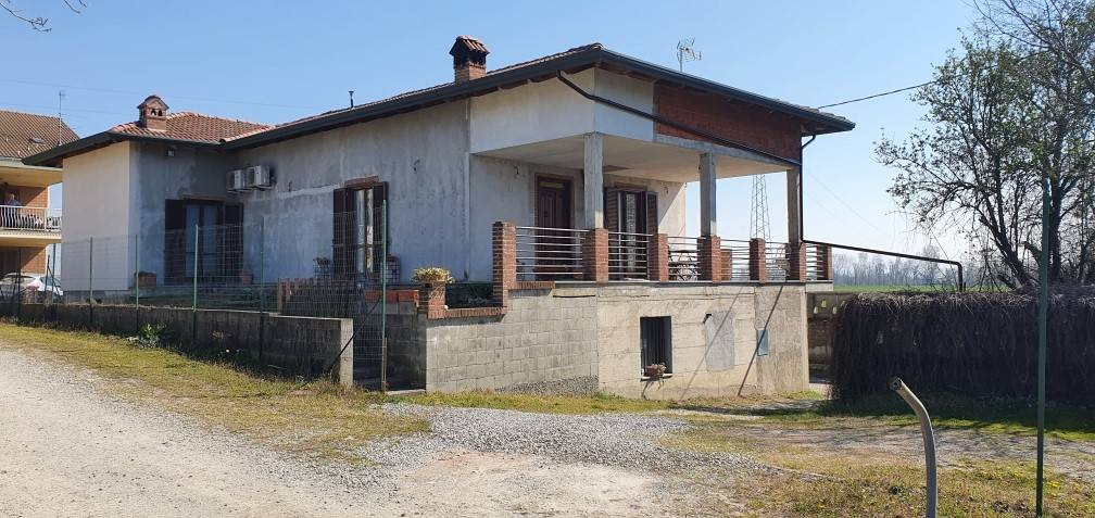 Casa indipendente in vendita a Alessandria (AL)