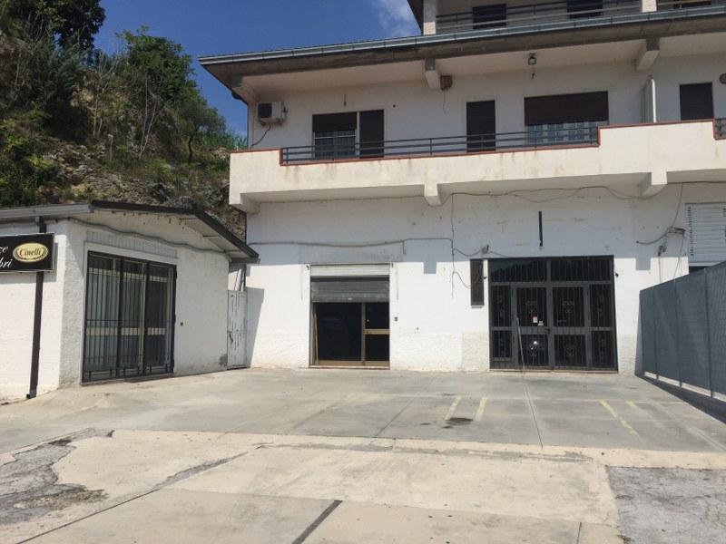 Negozio / Locale in affitto a Arpino, 9999 locali, prezzo € 450 | Cambio Casa.it