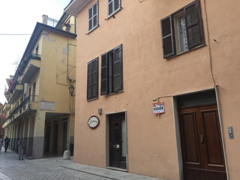 Appartamento in vendita a Arpino, 4 locali, prezzo € 60.000 | Cambio Casa.it