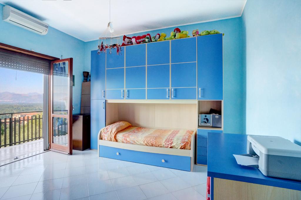 Casa indipendente in vendita a colfelice cod ac99 2655 for Piani di casa artigiano con garage di ingresso laterale