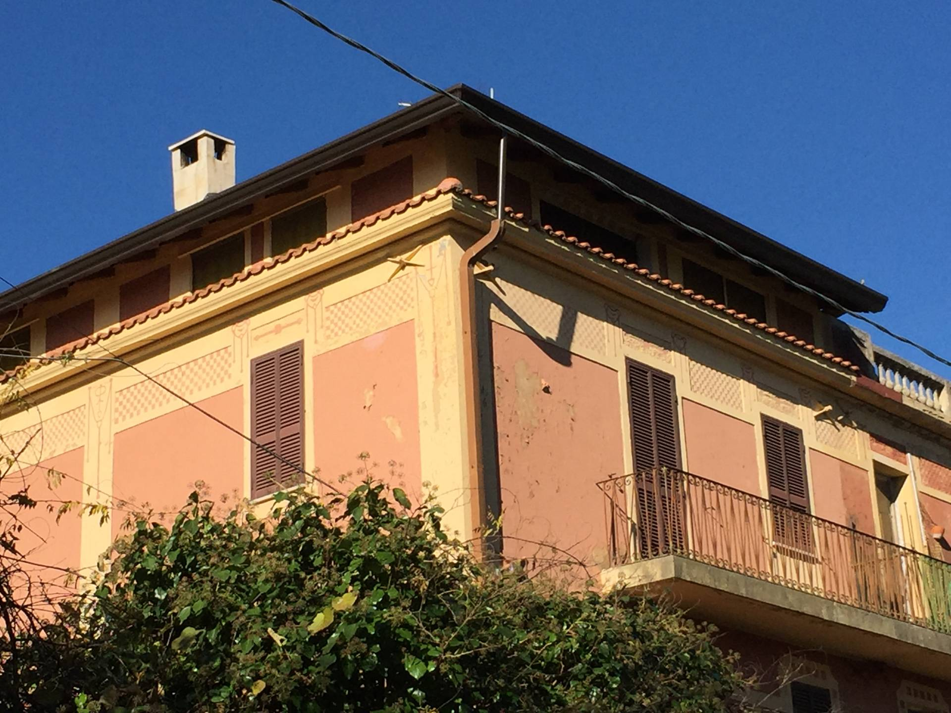 Casa indipendente in vendita a settefrati cod ac99 2686 for Piani casa 3 camere da letto e garage doppio