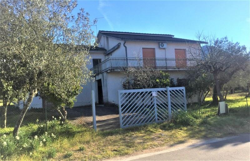 Soluzione Indipendente in vendita a Sant'Elia Fiumerapido, 12 locali, prezzo € 275.000 | Cambio Casa.it
