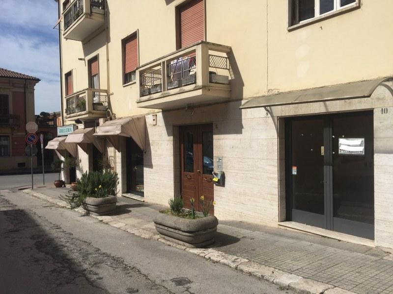 Negozio / Locale in vendita a Isola del Liri, 9999 locali, prezzo € 75.000 | Cambio Casa.it
