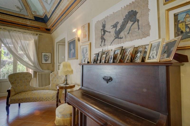 Appartamento in vendita a Arpino, 10 locali, prezzo € 400.000 | Cambio Casa.it