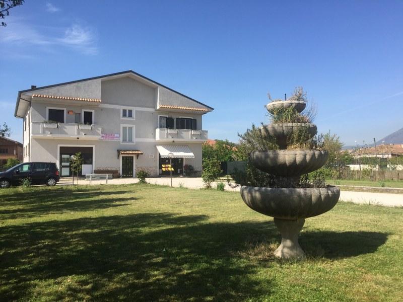 Soluzione Indipendente in vendita a Sora, 13 locali, Trattative riservate | Cambio Casa.it