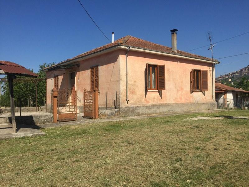 Soluzione Indipendente in vendita a Arce, 5 locali, prezzo € 125.000 | Cambio Casa.it