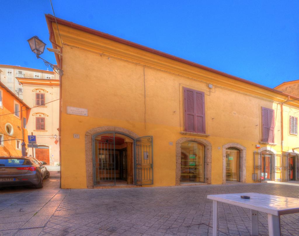 Negozio / Locale in vendita a Arpino, 9999 locali, prezzo € 90.000 | CambioCasa.it