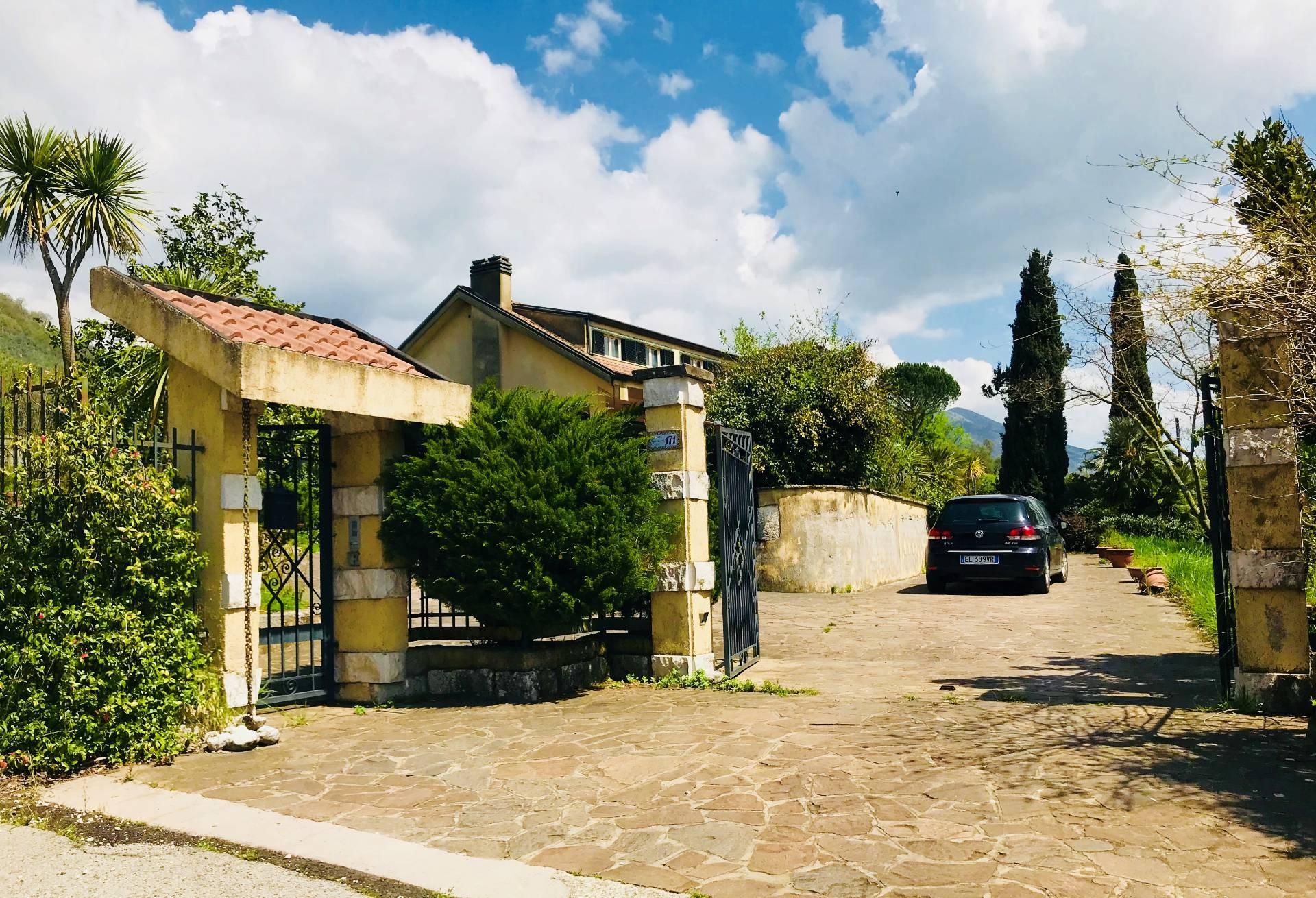 Villa in vendita a Broccostella, 18 locali, Trattative riservate | CambioCasa.it