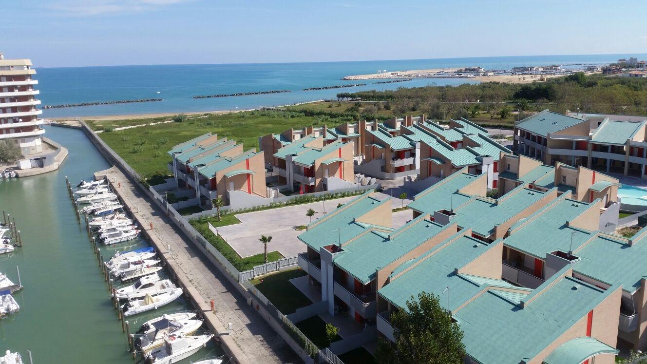 Villa in vendita a Montenero di Bisaccia, 5 locali, prezzo € 202.000   CambioCasa.it