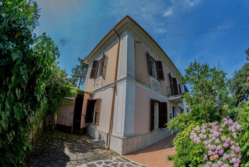 Villa in vendita a Colfelice, 8 locali, prezzo € 170.000 | CambioCasa.it