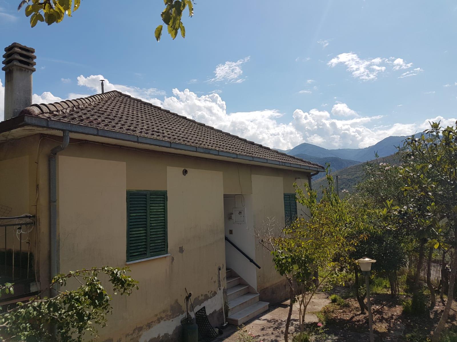 Soluzione Indipendente in vendita a Santopadre, 6 locali, zona Zona: Ciaiali, prezzo € 58.000 | CambioCasa.it