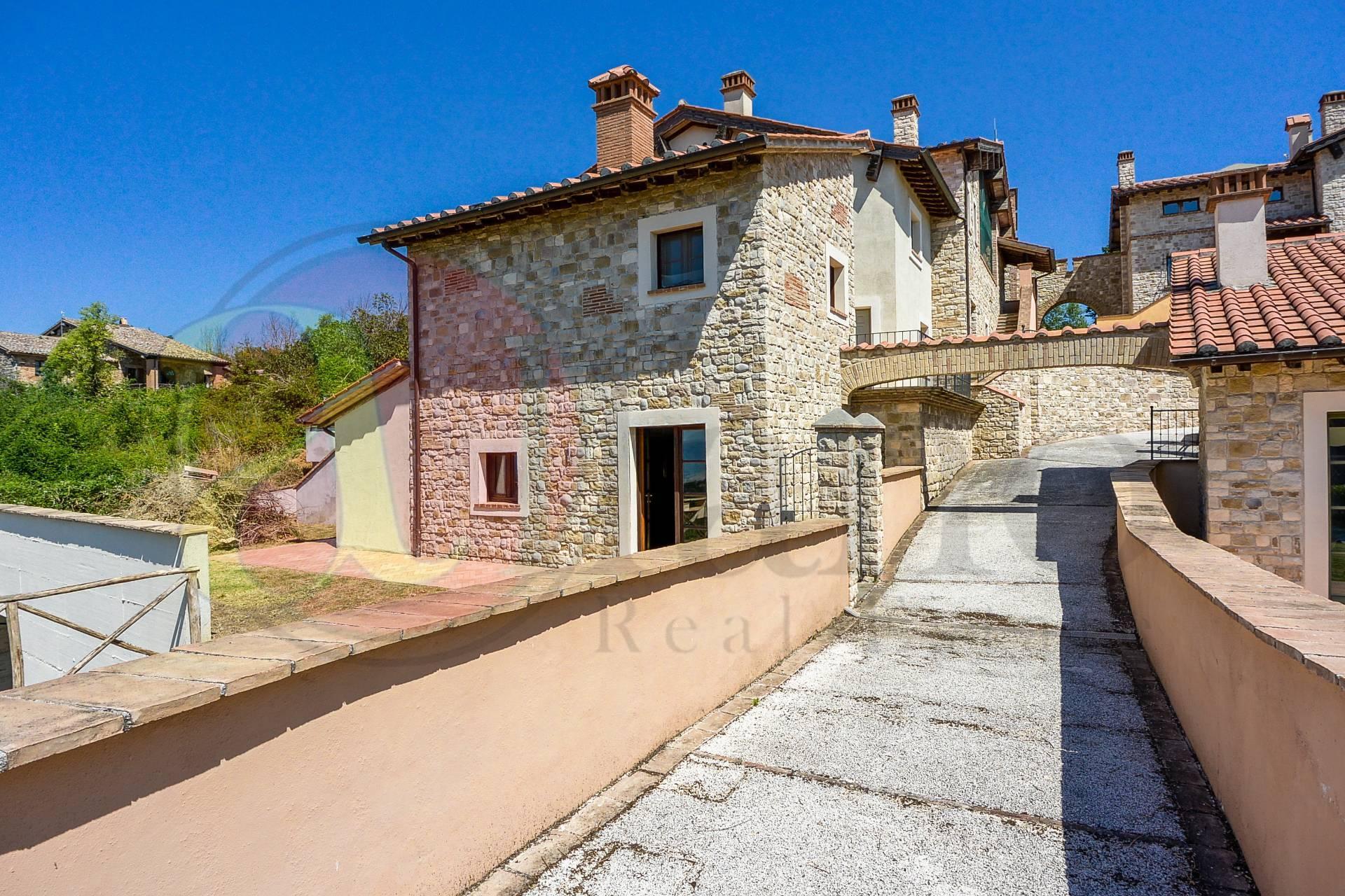 Appartamento in vendita a Ficulle, 8 locali, prezzo € 160.000 | PortaleAgenzieImmobiliari.it
