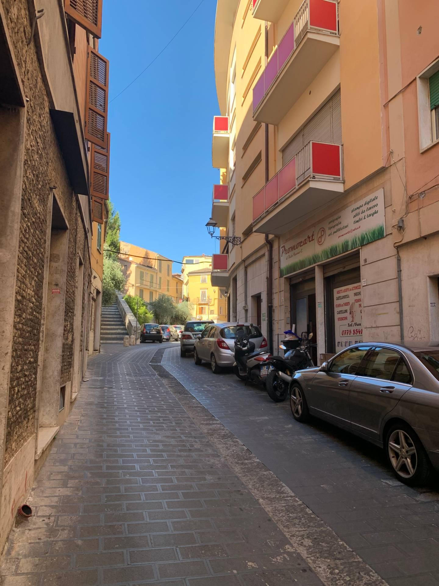 Appartamento in vendita a Frosinone, 4 locali, zona ro, prezzo € 85.000 | PortaleAgenzieImmobiliari.it