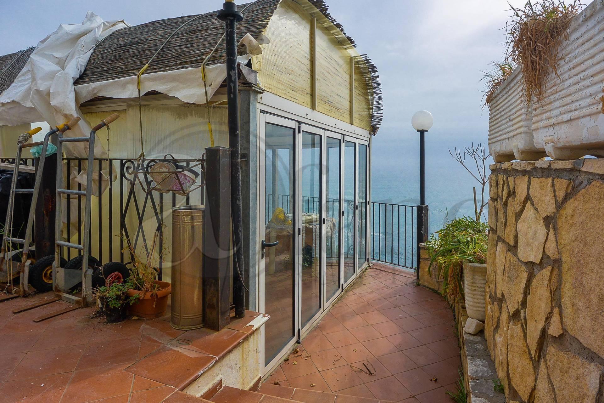 Negozio / Locale in vendita a Sperlonga, 9999 locali, prezzo € 600.000 | CambioCasa.it