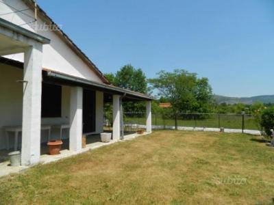 Villa bifamiliare in Vendita a Colfelice