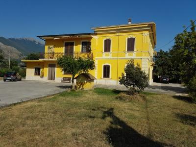 Villa bifamiliare in Vendita a Roccasecca