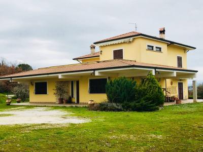 Villa in Vendita a Fontana Liri