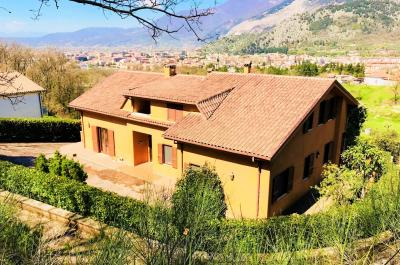 Villa in Vendita a Sora