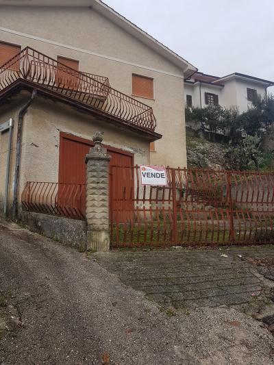 Casa indipendente in Vendita a Belmonte Castello