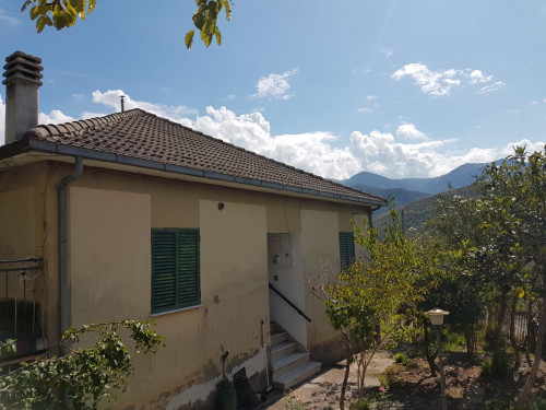 Casa indipendente in Vendita a Santopadre