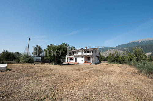 Villa in Vendita a Castrocielo