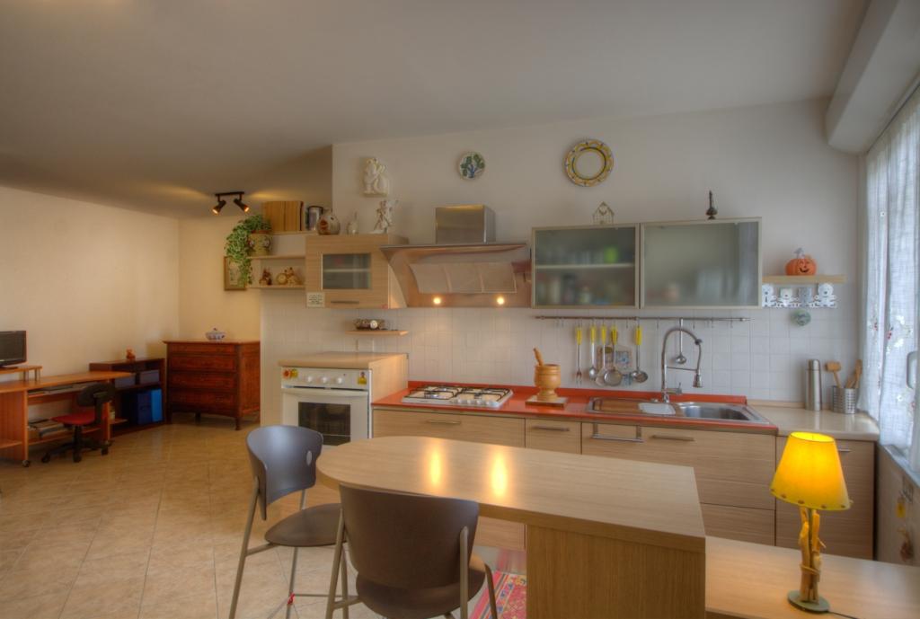 vendita appartamento pietra ligure   240000 euro  2 locali  60 mq