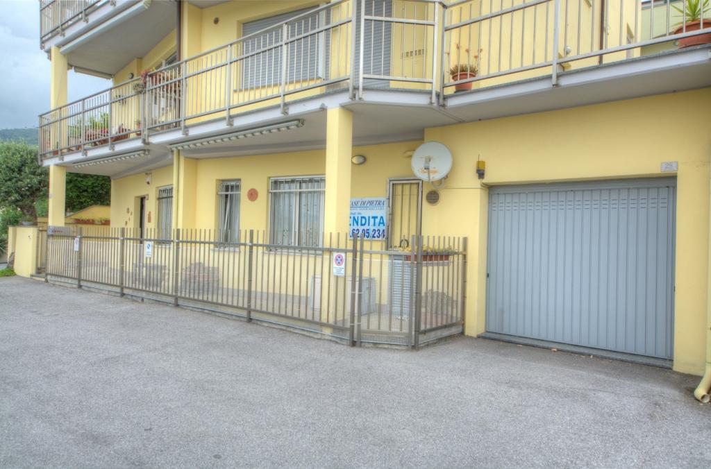 Bilocale Pietra Ligure Via Della Cornice 2