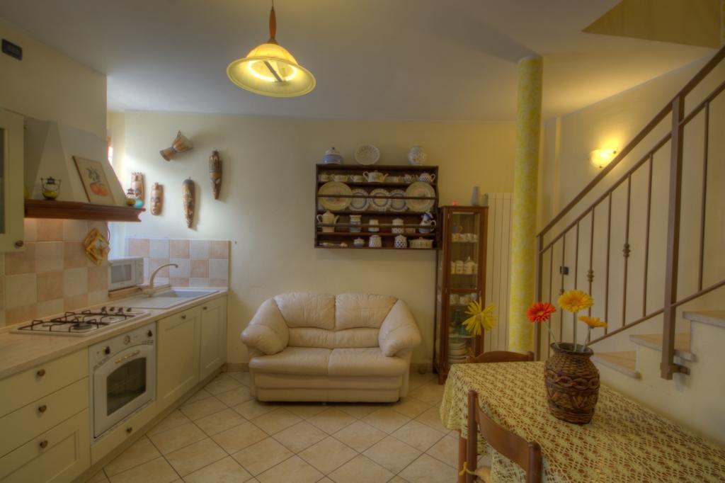Appartamento in vendita a Toirano, 3 locali, prezzo € 190.000 | Cambio Casa.it