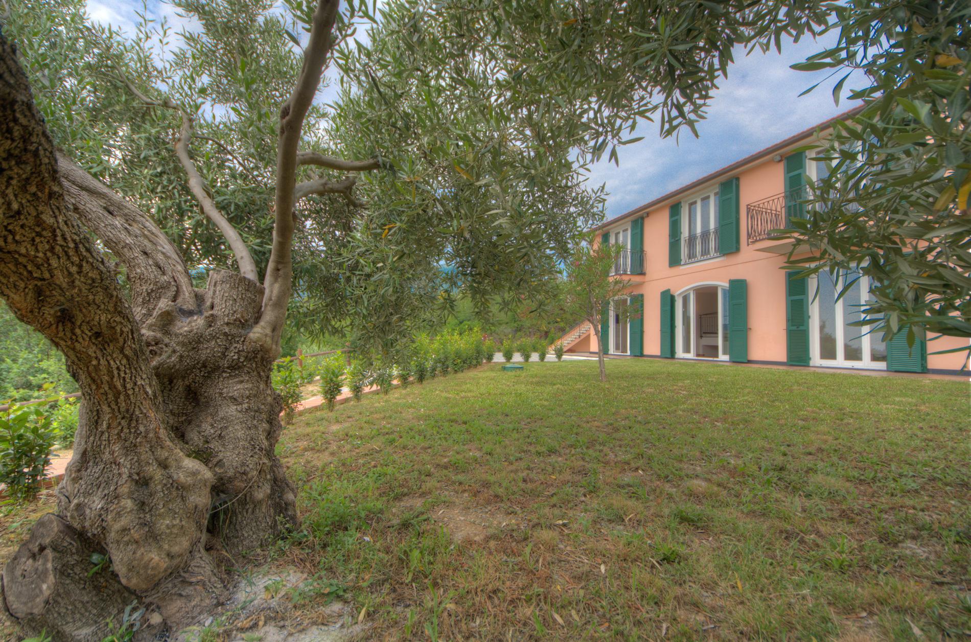 Villa in vendita a Boissano, 6 locali, prezzo € 980.000 | Cambio Casa.it