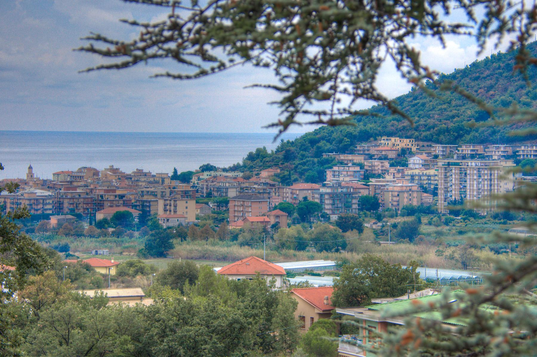 Villa in Vendita a Borghetto Santo Spirito