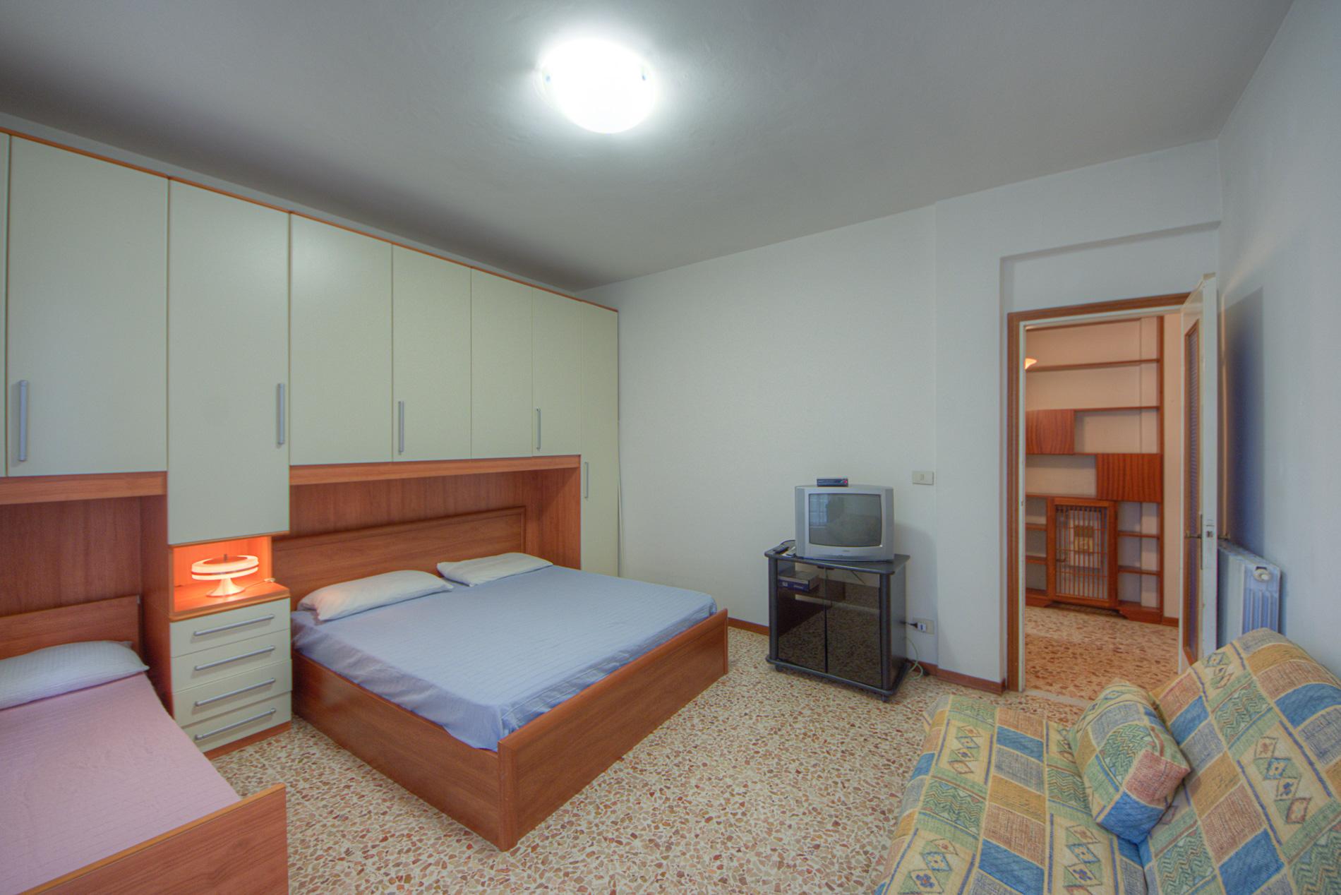 Bilocale Pietra Ligure Via Cesare Battisti 6