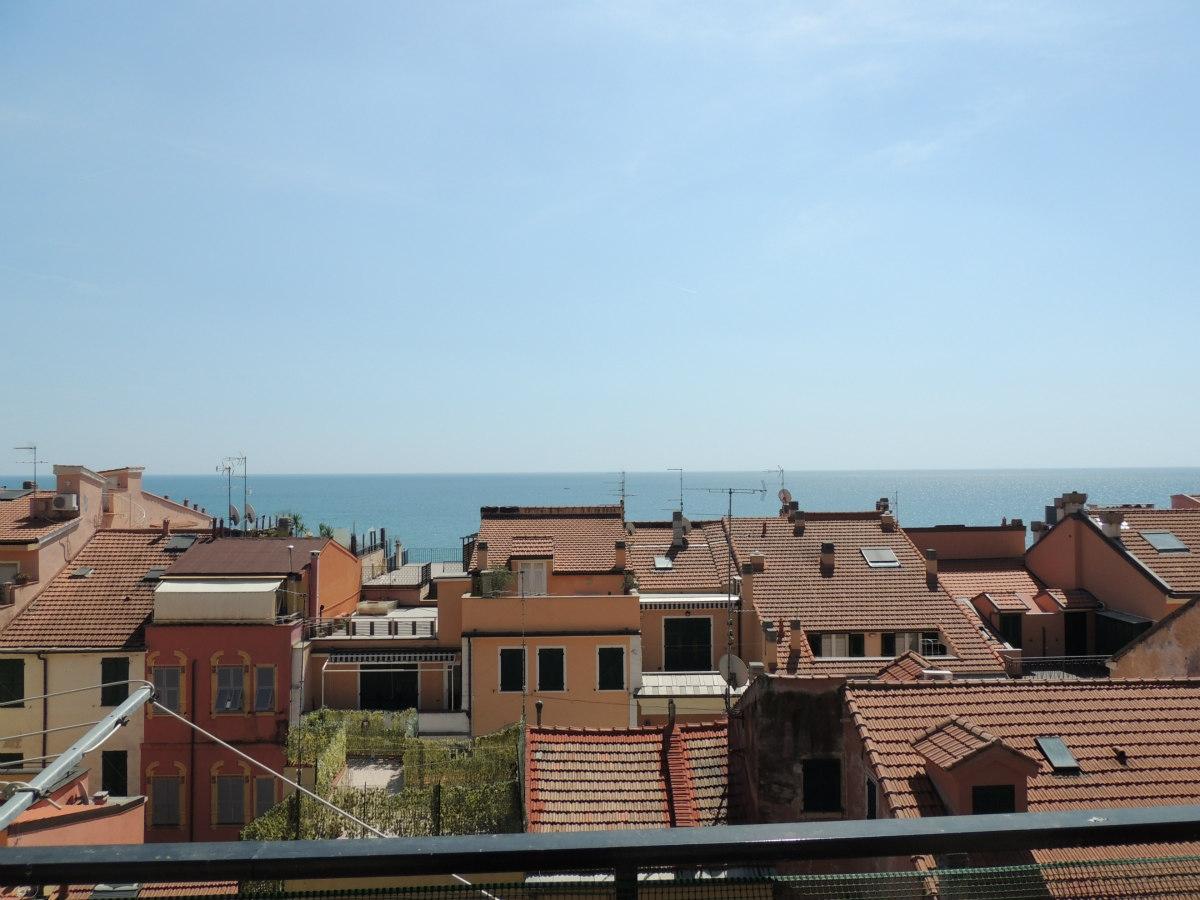 Appartamento in vendita a Loano, 3 locali, zona Località: CorsoEuropa, prezzo € 460.000 | CambioCasa.it
