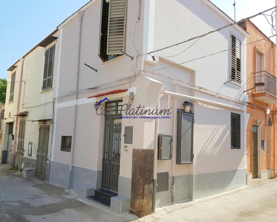 Bilocale Castello di Cisterna Via Montevergine 8