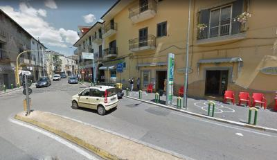 Locale commerciale in Affitto a Acerra