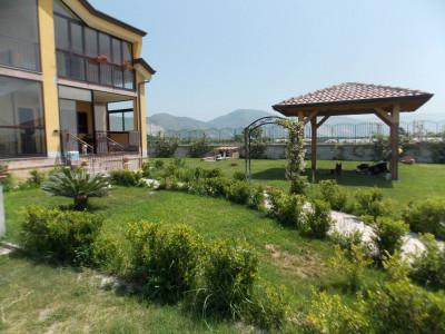 Villa Singola in Vendita a Acerra