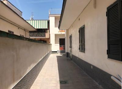 Palazzo intero stabile in Vendita a Grumo Nevano