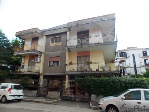 Palazzo intero stabile in Vendita a Acerra