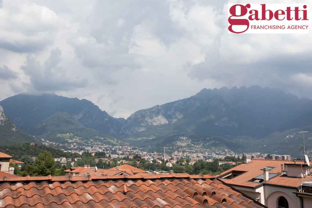 Bilocale Valmadrera Via Cavour 4