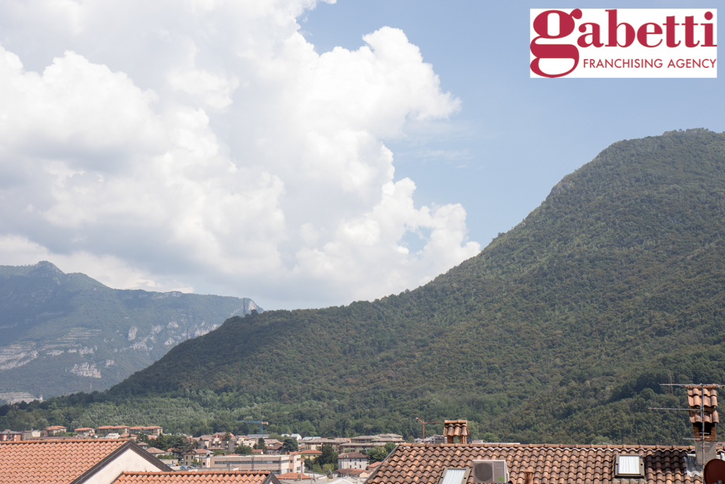 Bilocale Valmadrera Via Cavour 6