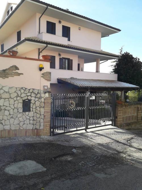 Casa indipendente in Vendita a Torrevecchia Teatina