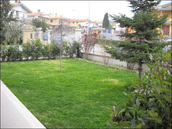 Villa a Schiera in vendita a Folignano, 5 locali, zona Località: PianediMorro, prezzo € 230.000 | CambioCasa.it