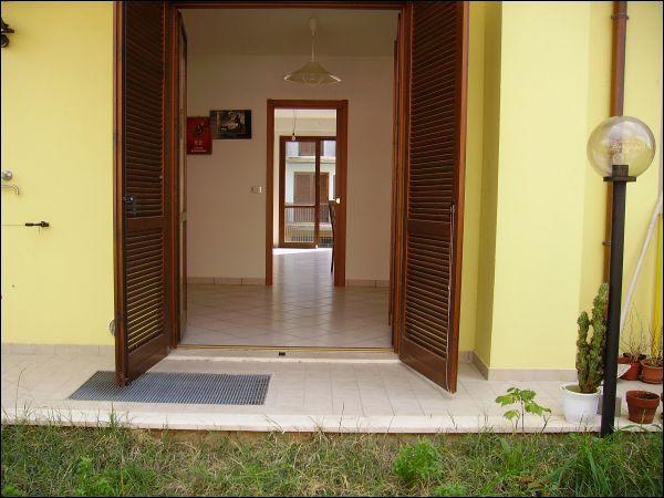 Villa Bifamiliare in vendita a Castel di Lama, 7 locali, prezzo € 220.000 | CambioCasa.it