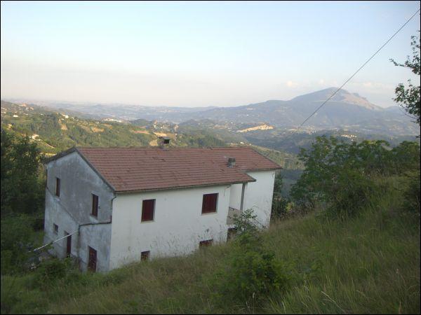 Rustico / Casale in vendita a Venarotta, 9999 locali, prezzo € 170.000 | CambioCasa.it