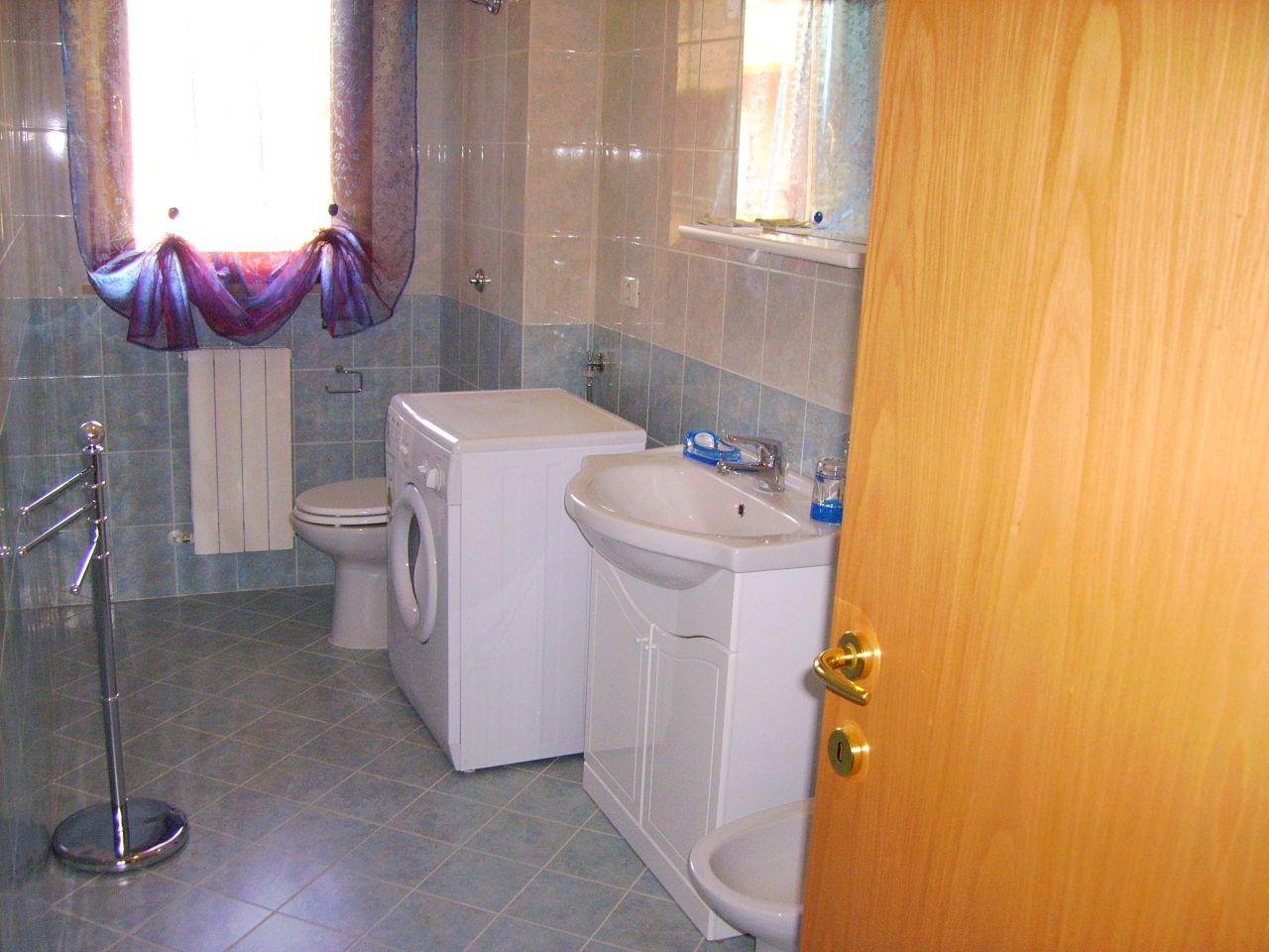 Appartamento in vendita a Folignano, 3 locali, zona Località: VillaPigna, prezzo € 115.000 | CambioCasa.it