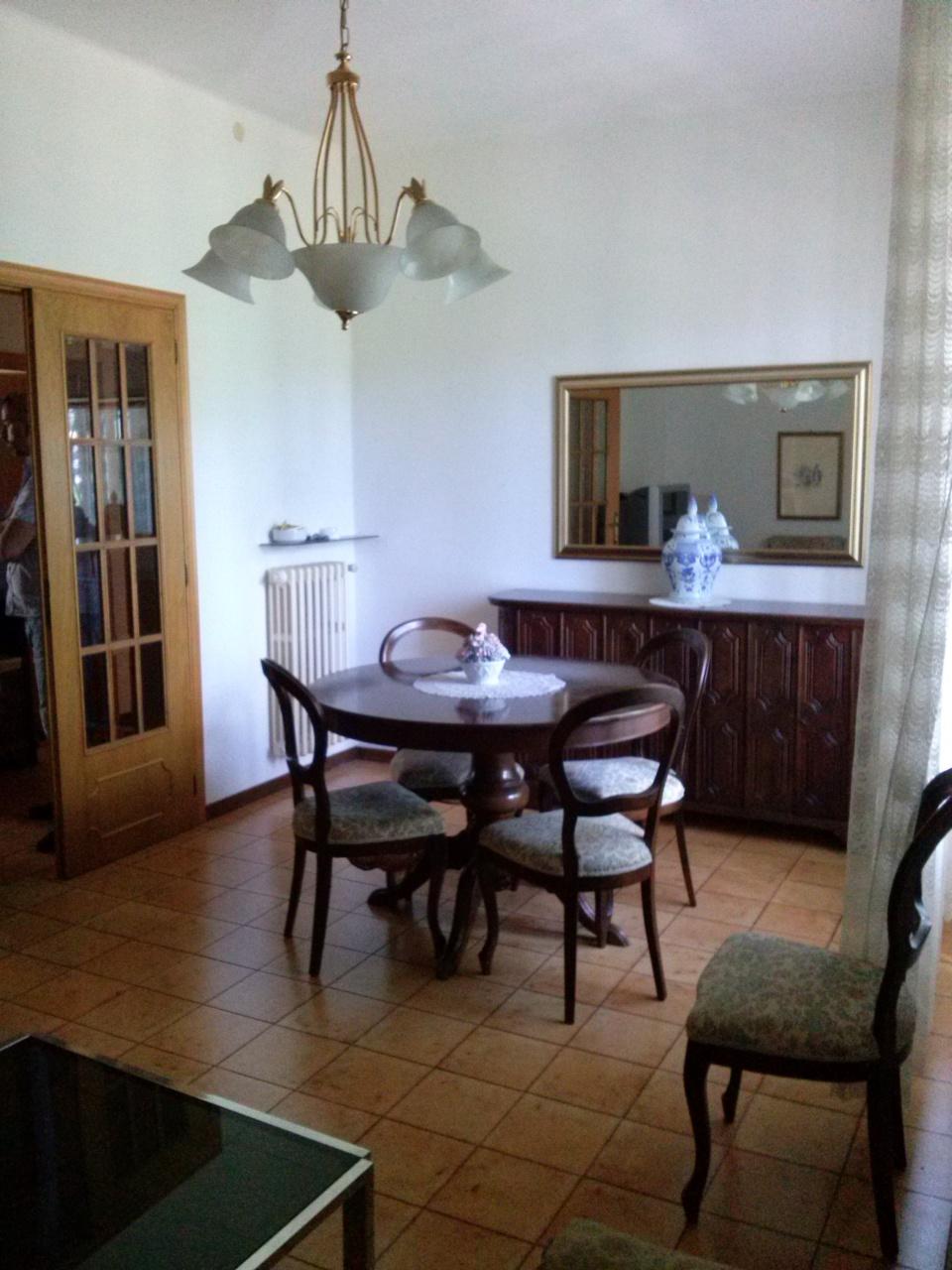 Appartamento in vendita a Ascoli Piceno, 4 locali, zona Località: P.taRomana, prezzo € 90.000   Cambio Casa.it