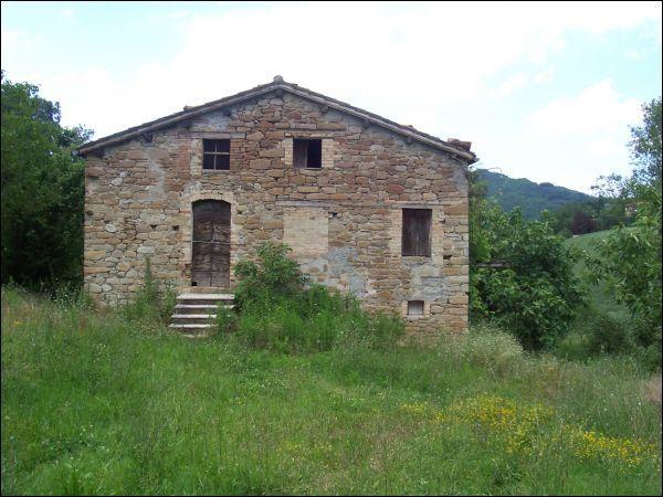 Rustico / Casale in vendita a Rotella, 9999 locali, prezzo € 100.000   CambioCasa.it